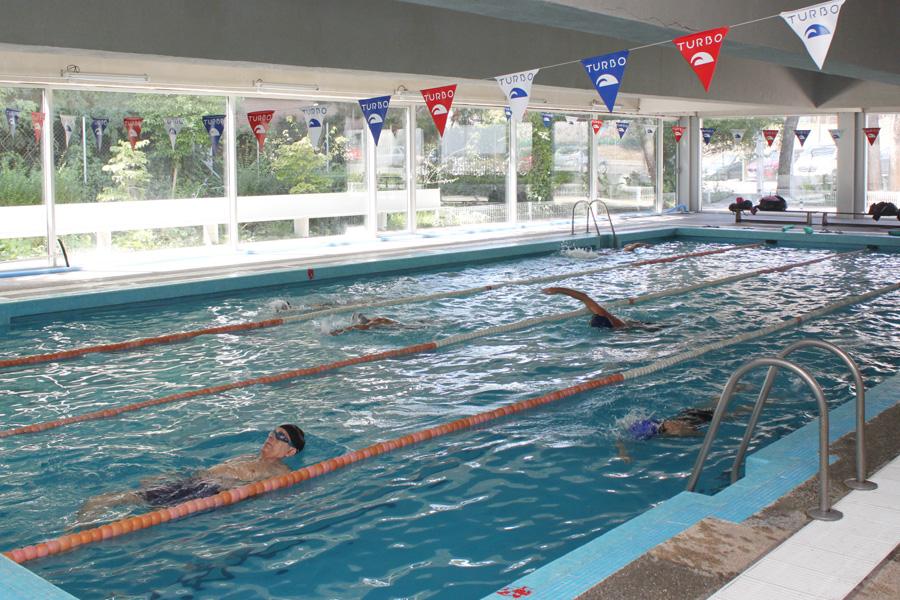 Piscinas cursos de salvamento emergencias y seguridad for Curso piscinas